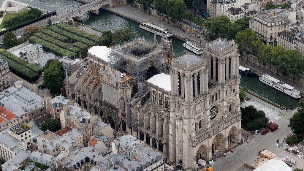 Vías de tren dobladas y Notre Dame, en peligro: consecuencias inexperadas de la ola de calor