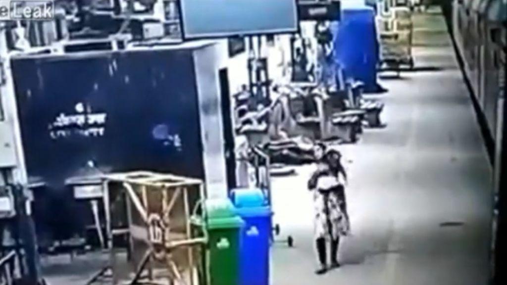 El brutal robo de un bebé en La India