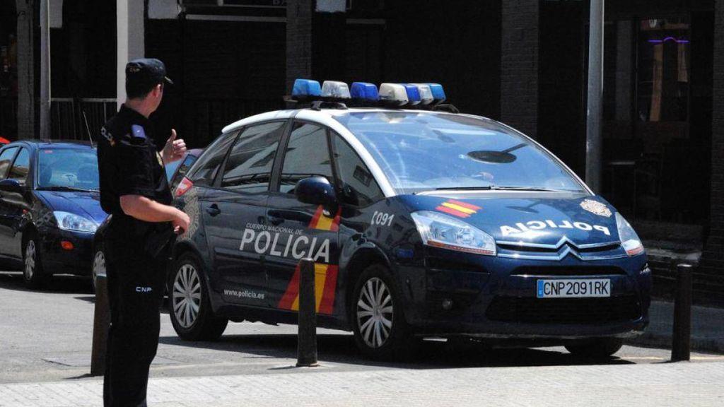 Detenidos tres jóvenes tras entrar en un domicilio con machetes y ser sorprendidos por su moradora