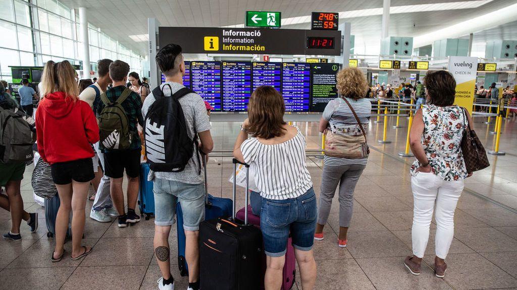Retoma su actividad el Aeropuerto de Barcelona: la lluvia obligó a cerrar varias pistas