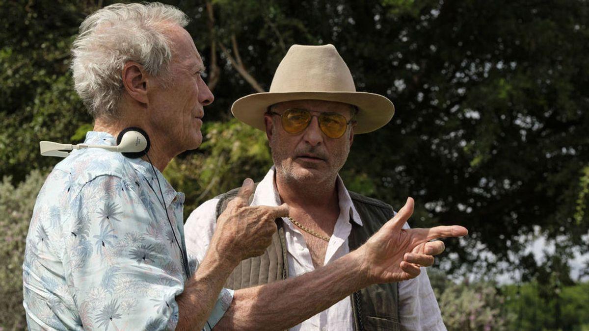 Clint Eastwood o cómo reinventarse a los 90 años como héroe generacional entre flores y narcos