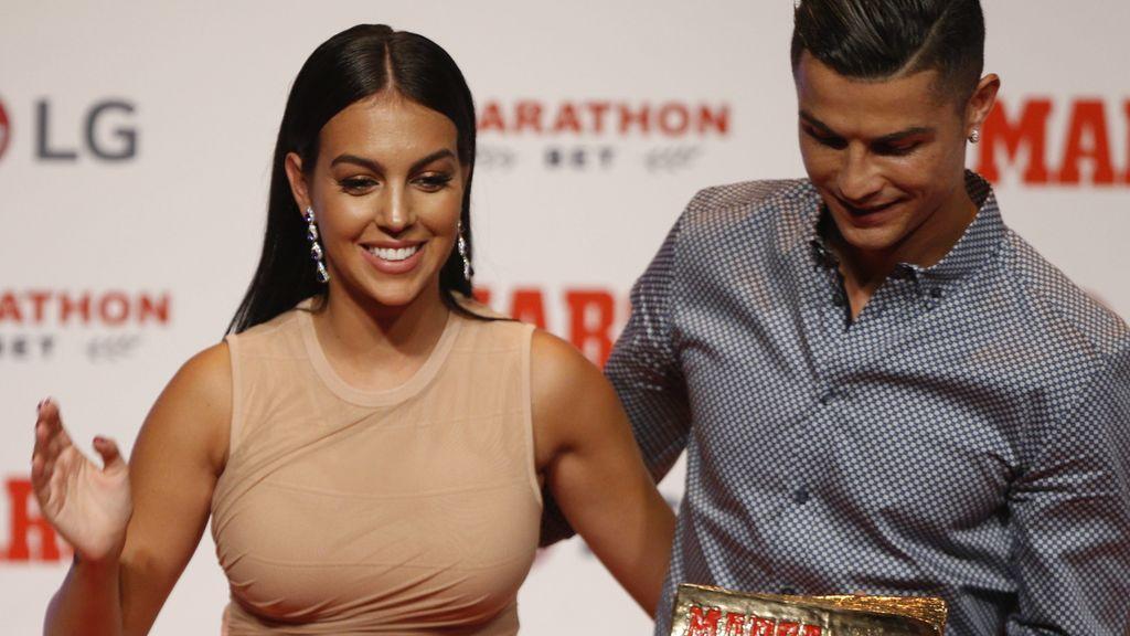 Nude e hiperajustado: el vestido de Georgina a lo Kim Kardashian que ha dado que hablar