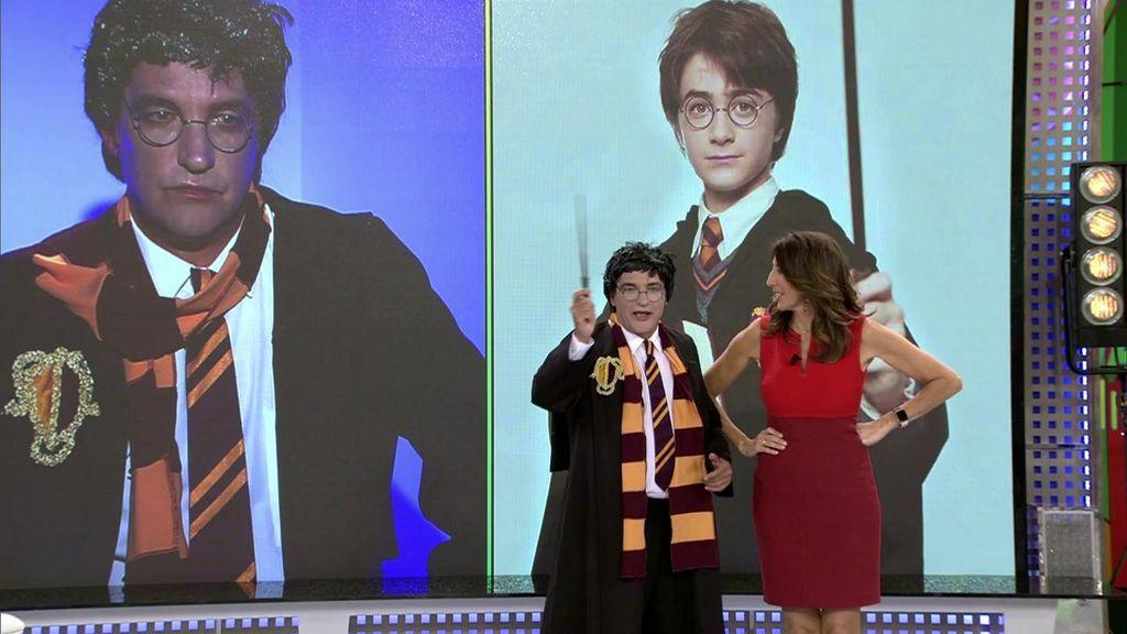 """Gustavo González se convierte en Gus Potter para celebrar el cumpleaños de J. K. Rowling: """"Voy a intentar hacerme invisible y acudir al cumpleaños de Isabel Pantoja"""""""