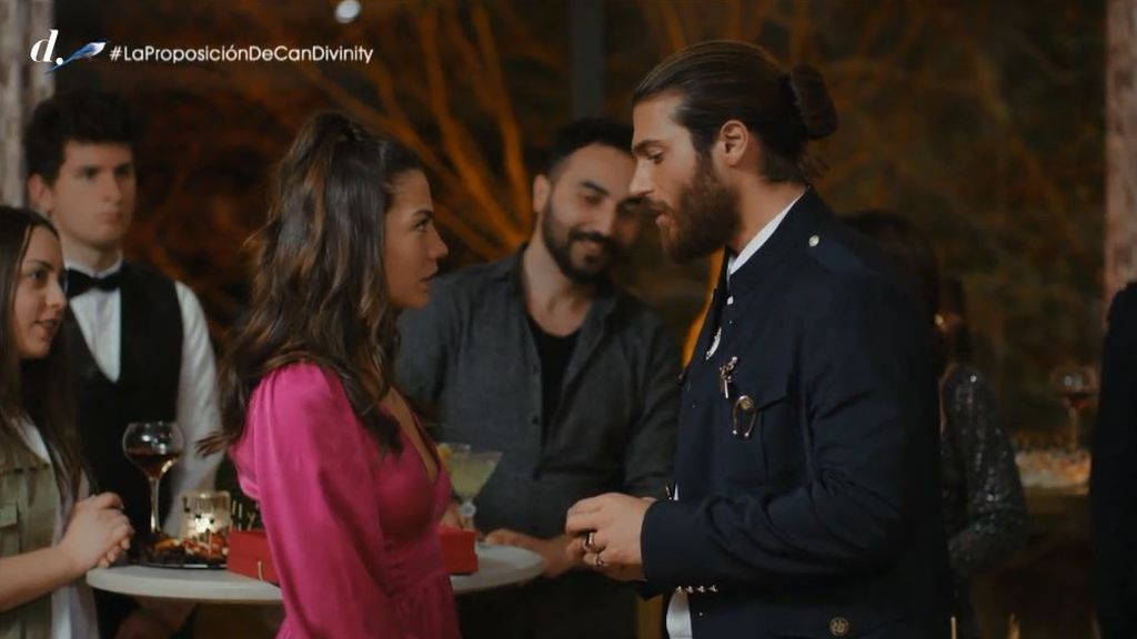 El esperado final de 'Erkenci Kus (Pájaro soñador)' llega a Divinity junto a próximos estrenos de ficción turca: 'Te alquilo mi amor (Kiralik Ask)' y 'Dolunay'