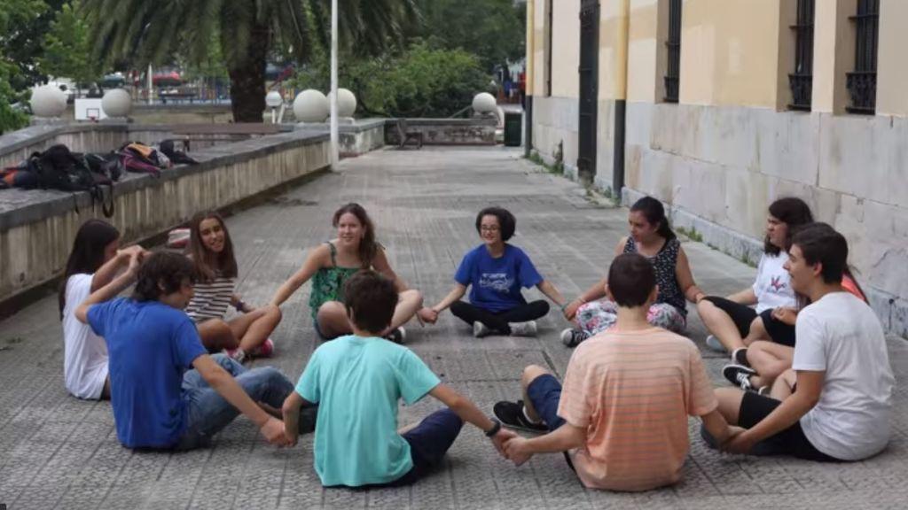 Denuncian la expulsión de un niño con autismo de un campamento de verano en Bilbao