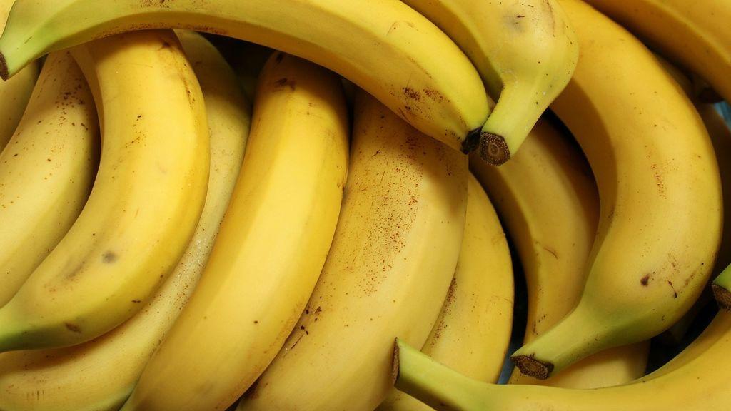 Una broma que casi acaba en tragedia: unos alumnos provocaron un shock anafiláctico a una maestra alérgica a los plátanos