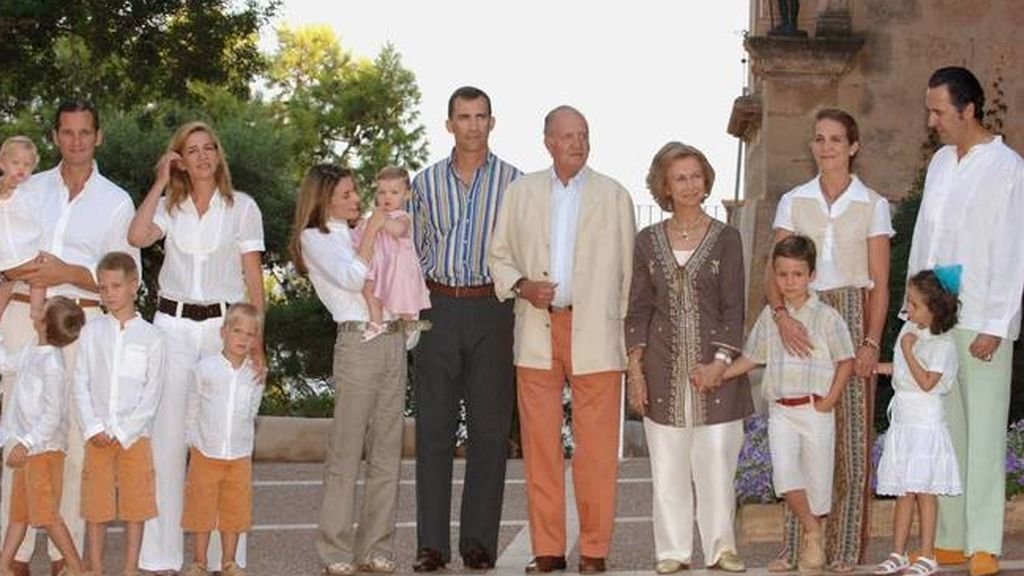posado-de-la-familia-real-en-2006-getty