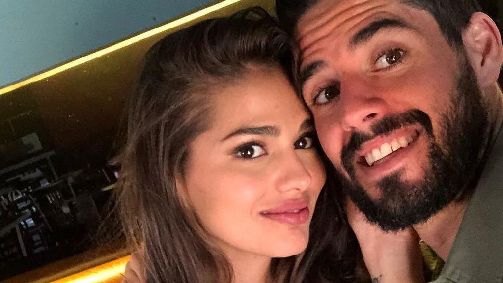 """Sara Sálamo se derrite con un posado de Isco y su hijo Theo: """"Los chicos de mi vida"""""""