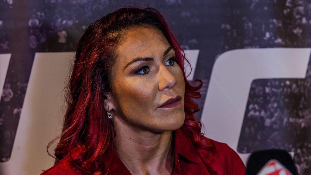 """La brutal lesión de una luchadora de UFC: """"Veo mi cráneo"""""""
