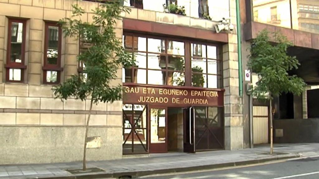 Los seis detenidos en Bilbao por una presunta violación a una joven pasan a disposición judicial