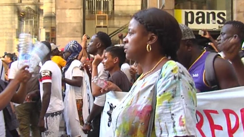 Aumenta la tensión en Barcelona con el colectivo de manteros