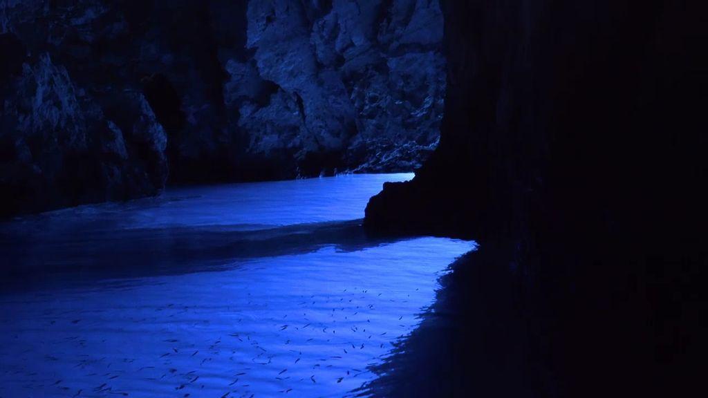 Los dos tesoros de Vis: la Cueva Azul y Stiniva, la playa más bonita de Europa