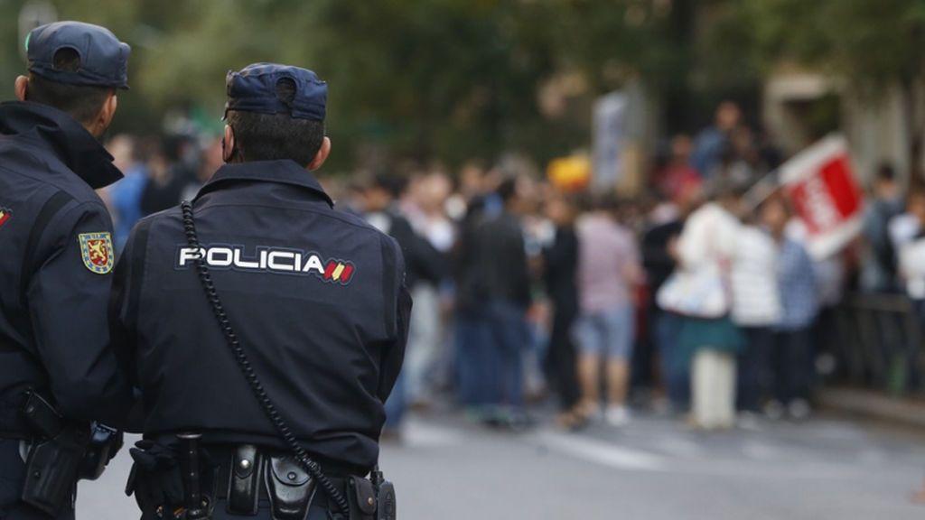Detienen a menor de 15 años por amenazar a sus padres con un cuchillo después de robarles 100 euros