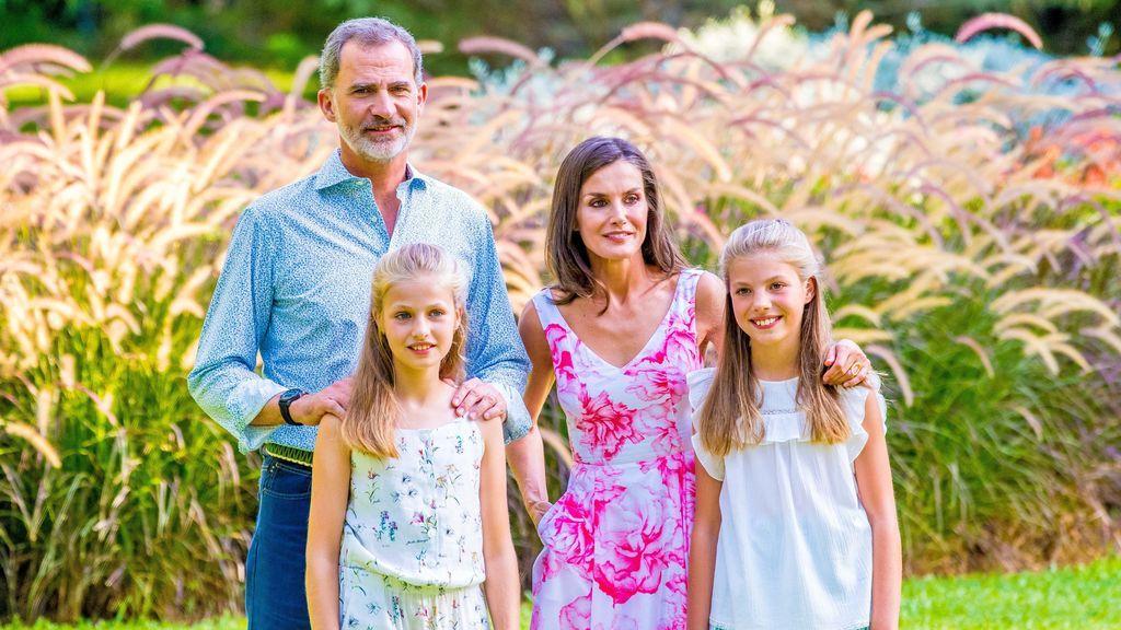 Aciertos y errores del tradicional posado de verano de la Familia Real
