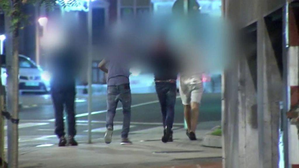 Cuatro acusados de 'La Manada de Bilbao' salen del calabozo