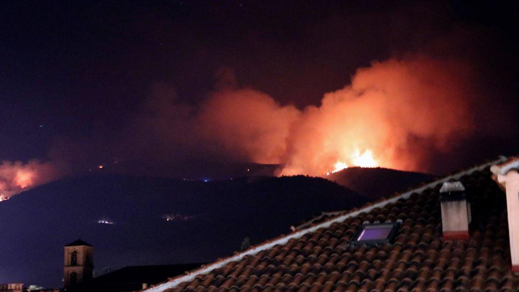 El incendio de La Granja afecta ya al Parque Natural del Guadarrama