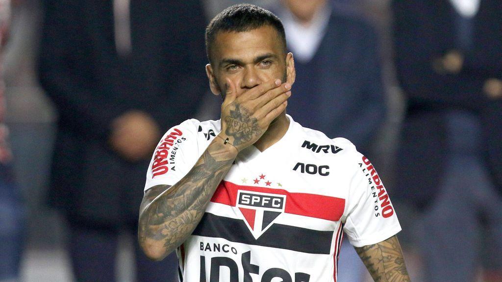 Dani Alves tiene nueva posición en el Sao Paulo | ECUAGOL