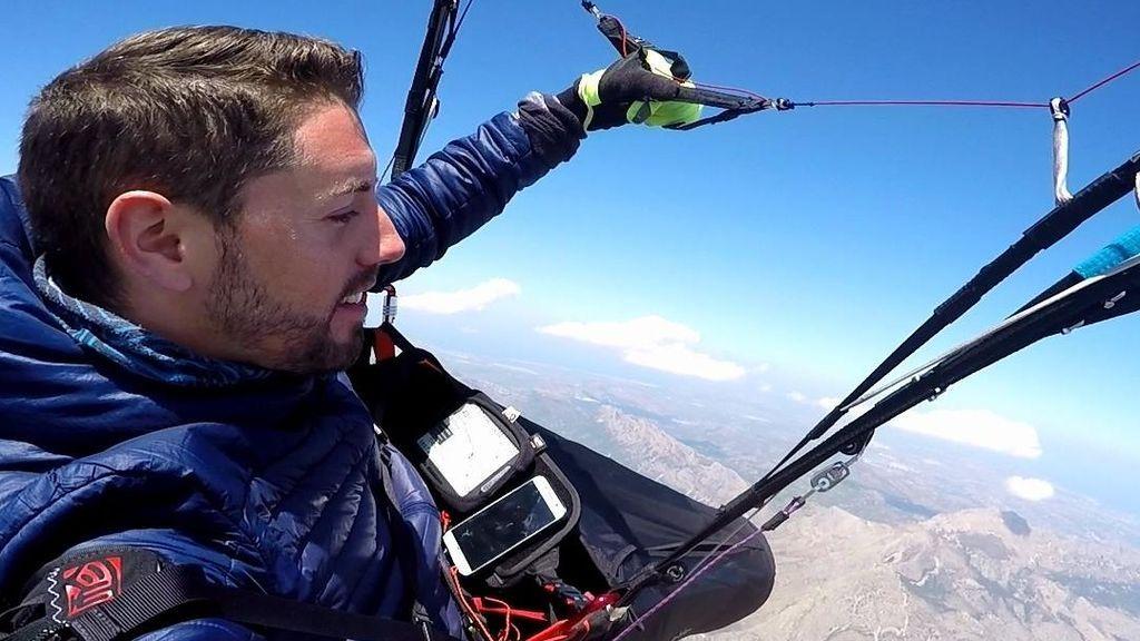 Fallece un youtuber en un accidente de paracaidismo en Alicante: No se abrió su paracaídas