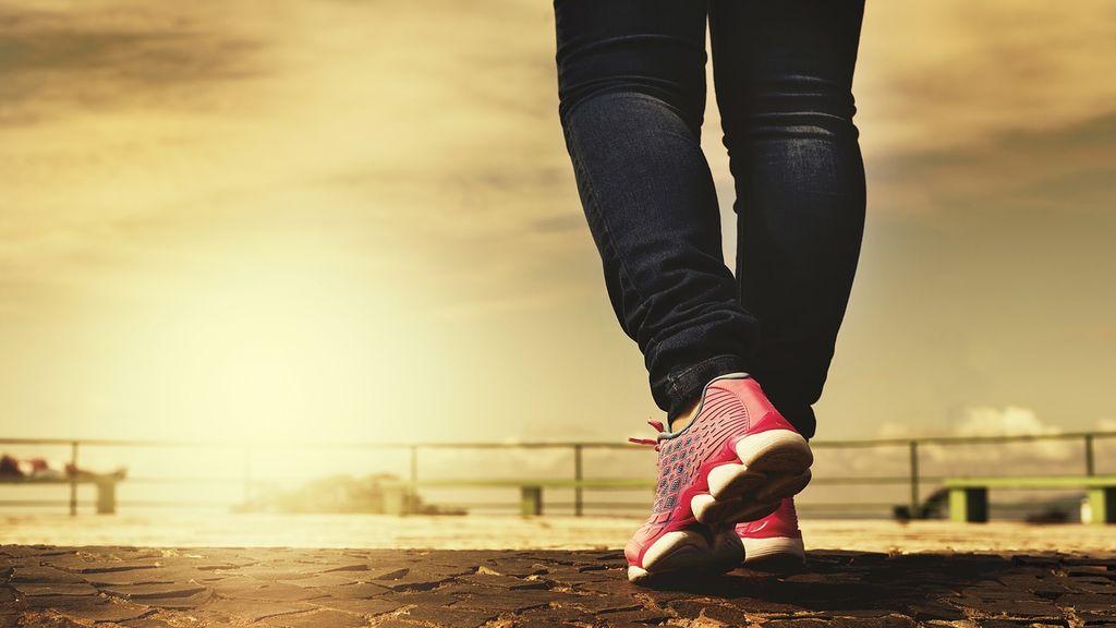 Descubre los beneficios de caminar 10.000 pasos al día