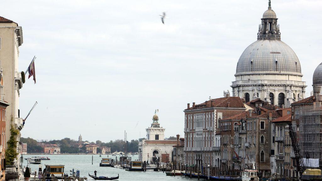 Venecia prohíbe el atraque de grandes cruceros en su centro histórico