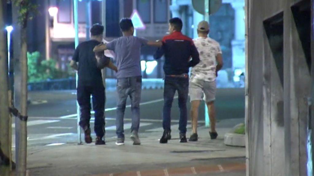 Analizan la posible expulsión de los cuatro acusados de violación grupal en Bilbao que fueron puestos en libertad