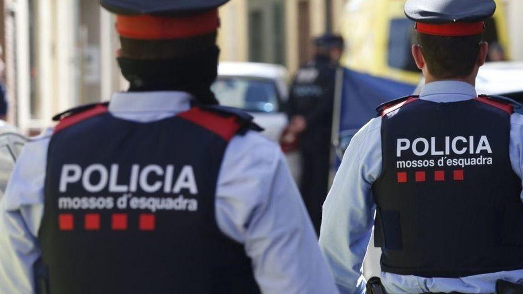 Detienen a dos personas por su relación con la muerte de un hombre tras una pelea en el centro de Barcelona