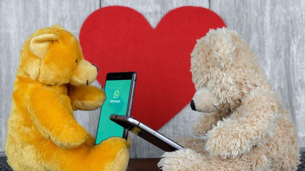 Desde el corazón rojo de toda la vida hasta el corazón con lazo de Whatsapp: esto es lo que significan