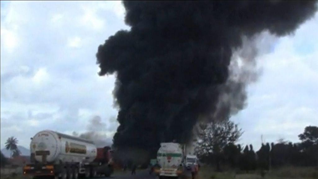 60 muertos y decenas de heridos en la explosión de un camión con combustible en Tanzania
