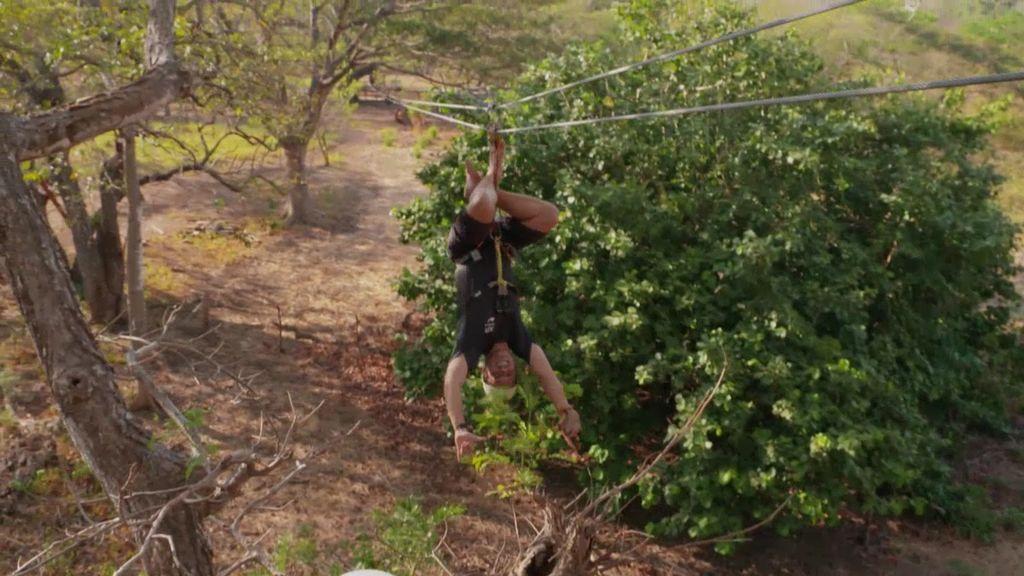 La actividad de moda en Costa Rica es el canopi: una tirolina que cruza por encima del bosque y en la que te puedes lanzar… ¡boca abajo!