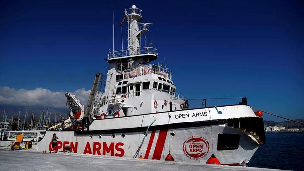 """""""Por motivos humanitarios"""": el Open Arms no descarta atracar en un puerto sin permiso si la situación continúa siendo insostenible"""