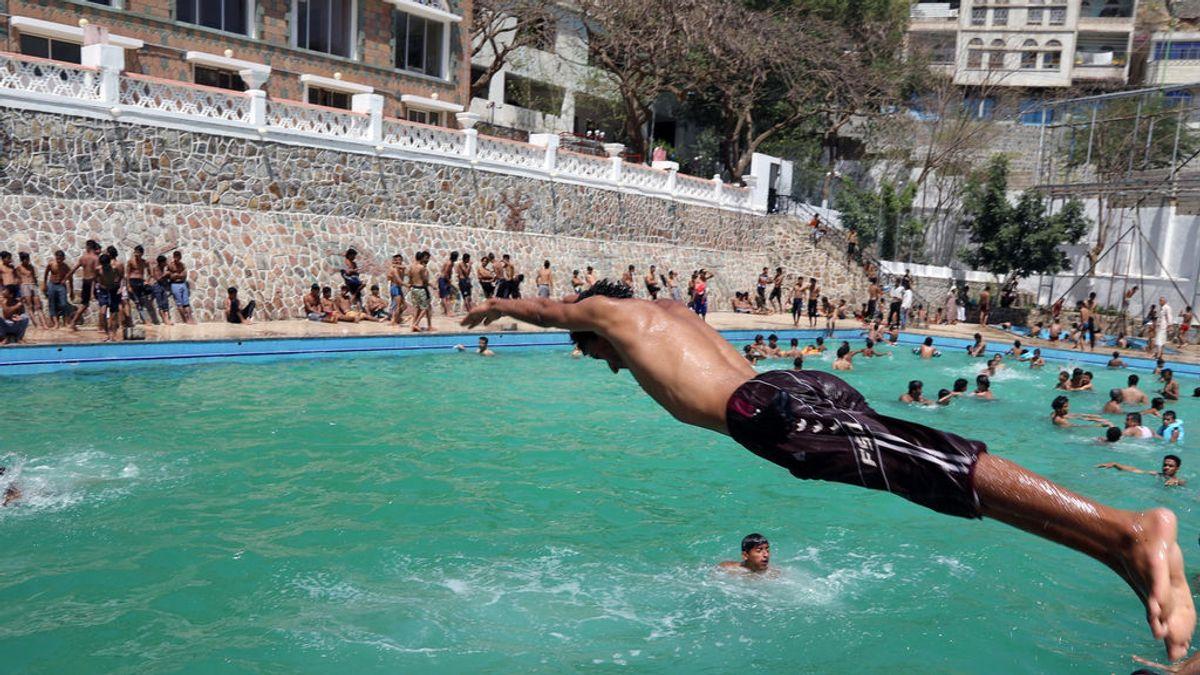 La regla 10/20 que puede evitar el ahogamiento de tu hijo