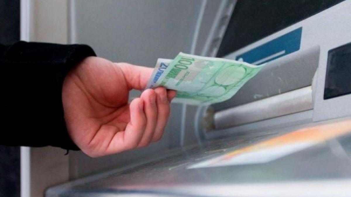 Diputaciones y ayuntamientos pagan por que se mantenga el servicios de cajeros en la España vaciada