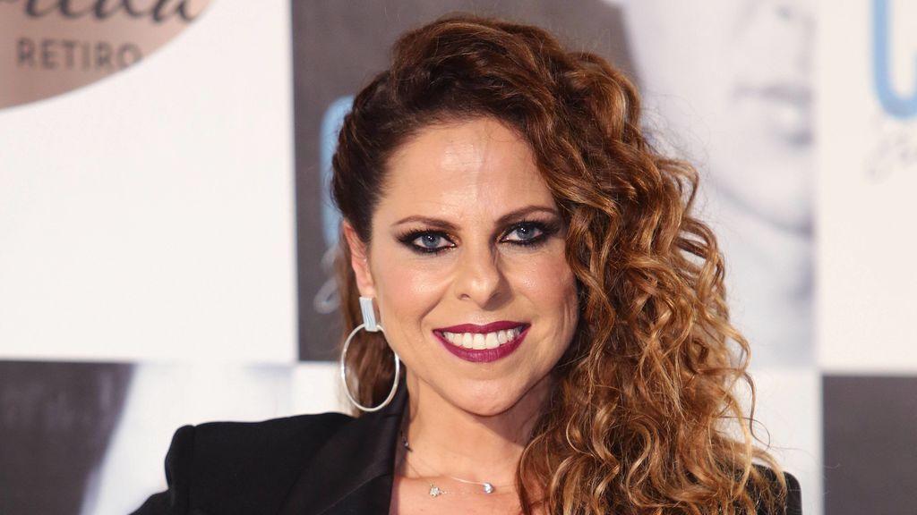 En pleno concierto y tocándose la tripa: Pastora Soler anuncia su segundo embarazo