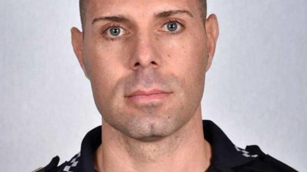 Un policía fuera de servicio salva a un padre y su hijo de ocho años de morir ahogados en Almenara