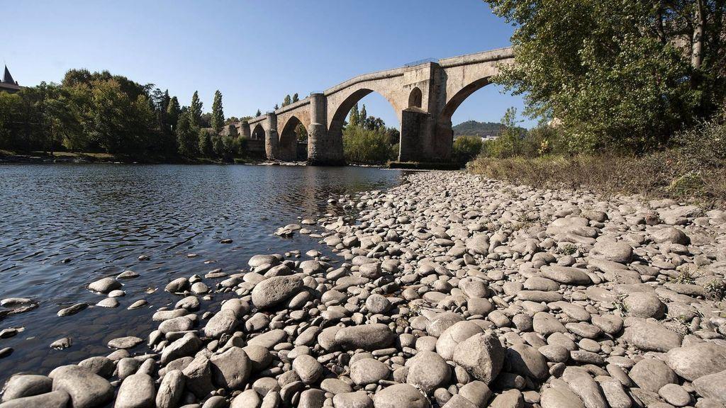 Muere un hombre al caer al río Miño mientras pescaba
