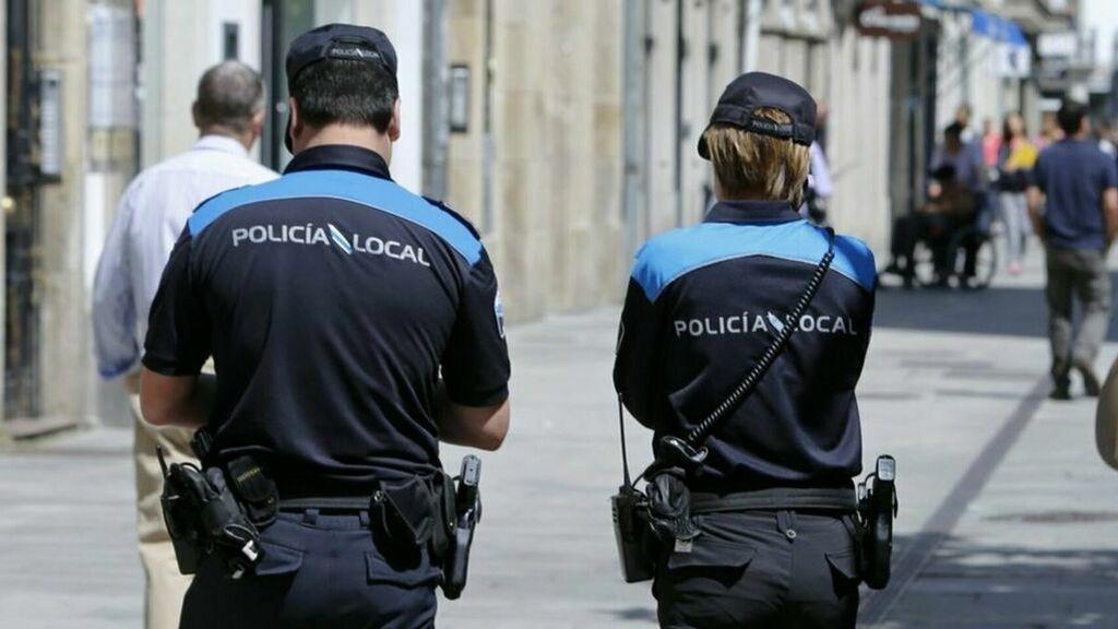 Un hombre se enfrenta con una hoz y un cuchillo a la Policía de Vigo tras un altercado en un autobús