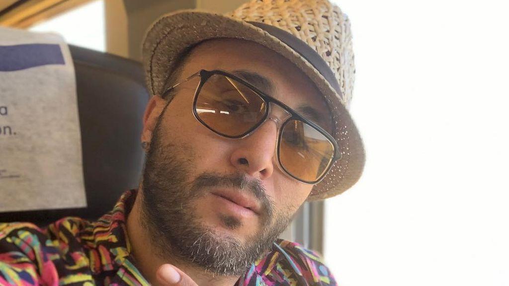 """Kiko Rivera subasta un collar que ya supera los 12.000 euros y le llueven las críticas: """"Voy a tu casa y te lo entrego"""""""