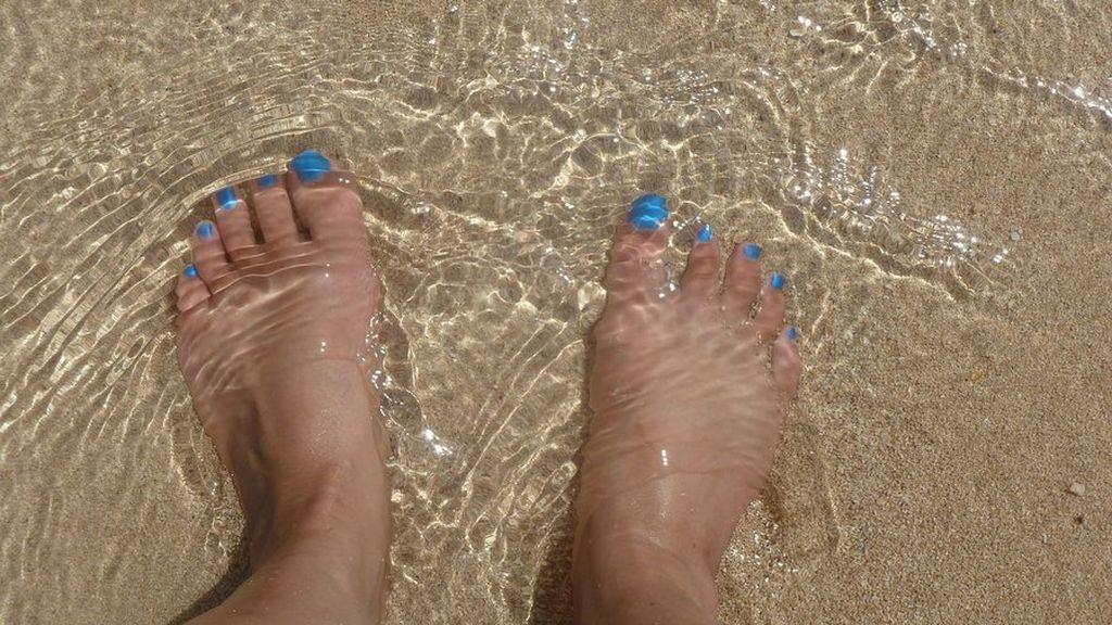 ¿Quieres cuidar tus pies en verano? Algunos secretos para mantener hongos y otras enfermedades a raya