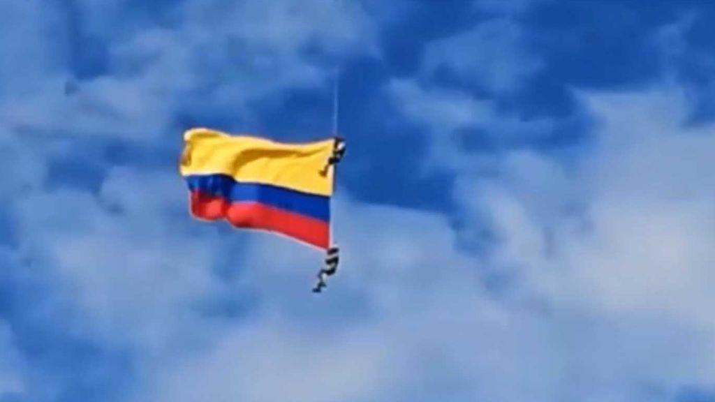 Mueren dos militares en una exhibición aérea en Medellín