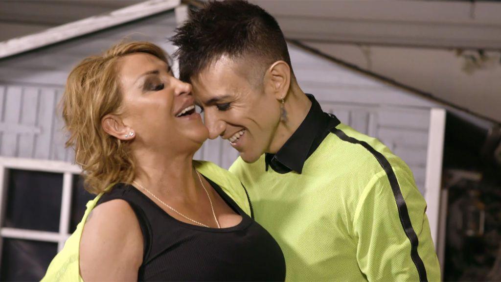 Raquel Mosquera sorprende a todos bailando por Raffaella Carrá
