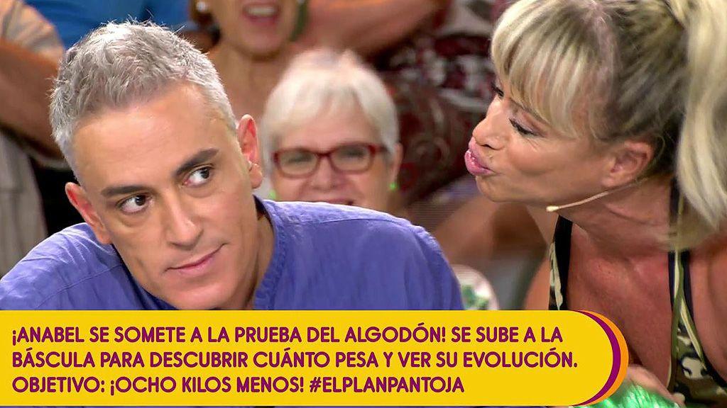 Pepitator intenta besar (de nuevo) a Kiko Hernández