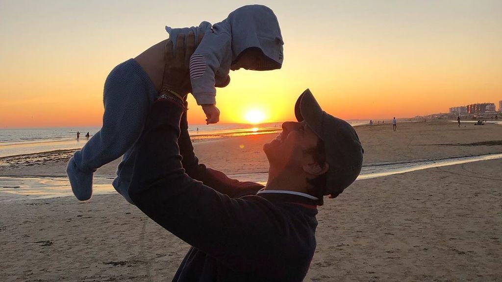 En la playa y frente al atardecer: Fran Rivera le hace una bonita promesa a su hijo Curro