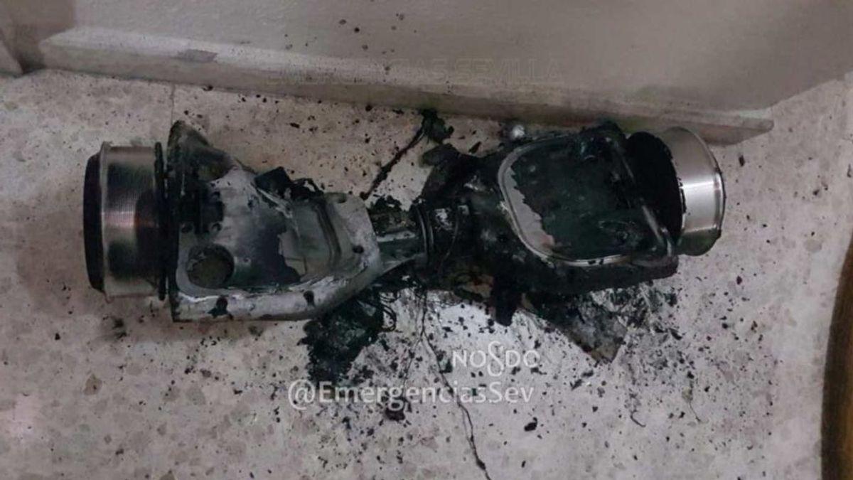 La deflagración e incendio de un patinete obliga a desalojar una vivienda en Sevilla