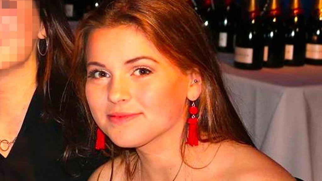 Hallan alcohol y hachís cerca de la piscina en la que murió ahogada la joven multimillonaria británica en Mallorca