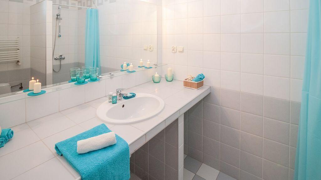 Adiós al mal olor en el baño con este truco barato y sencillo