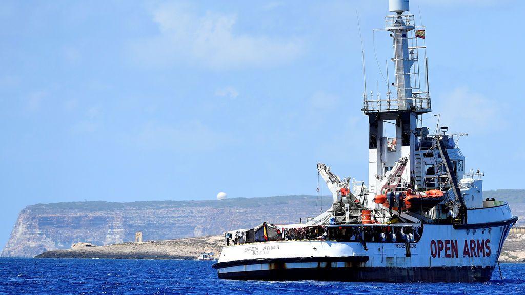 """El Open Arms solicita la evacuación """"urgente e inmediata"""" de todas las personas a bordo"""
