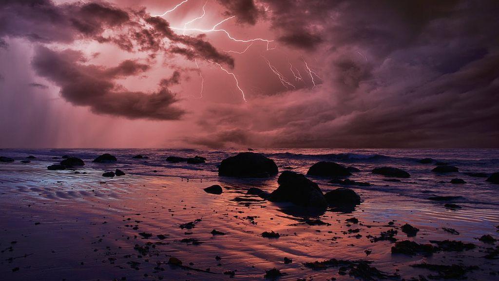 Mueren cinco personas por la caída de rayos en una playa de Mayabeque (Cuba)