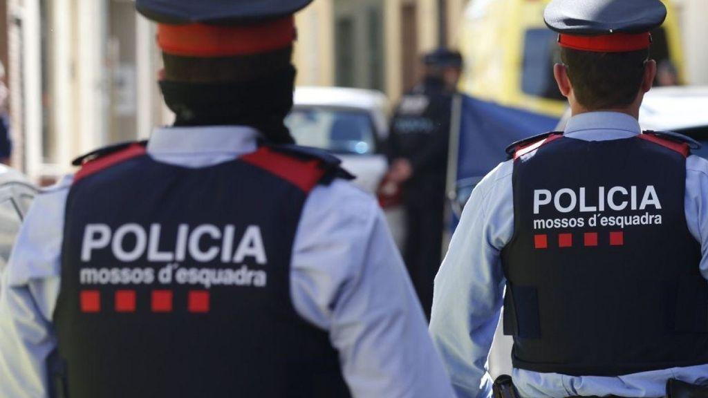 Un hombre muere tras saltar de un balcón a otro en Barcelona