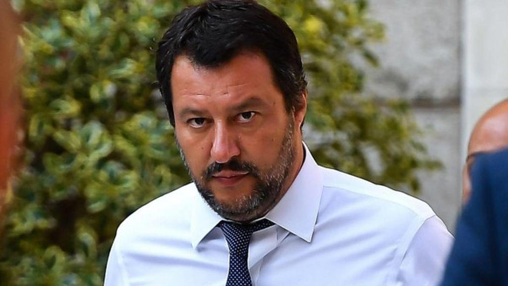 """Salvini anuncia que """"en contra de su voluntad"""" permitirá desembarcar a los menores de edad a bordo del 'Open Arms'"""