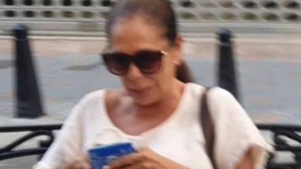 Isabel Pantoja, pillada durante sus vacaciones